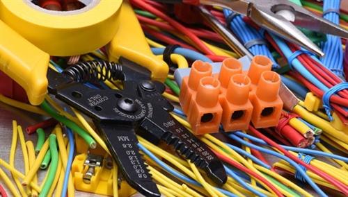 تجهیزات برق و روشنایی ساختمان